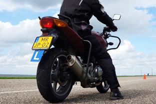 motorrijlessen door een ervaren motorrijder